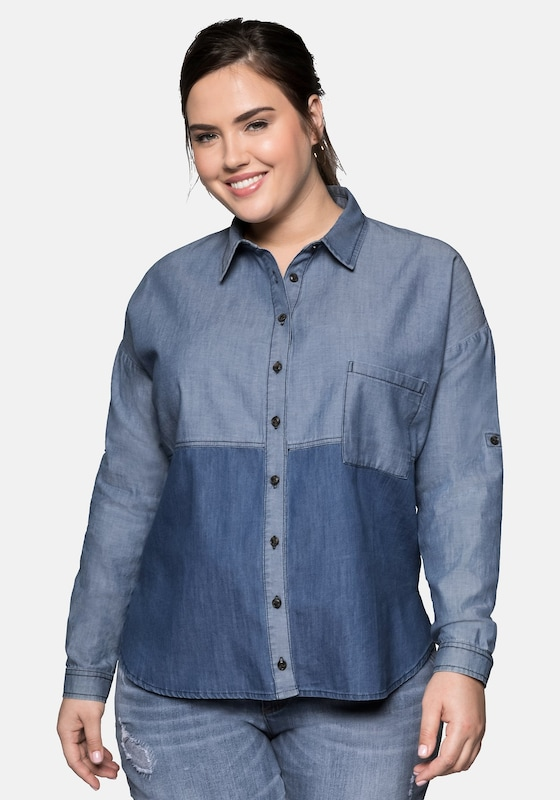 SHEEGO Jeansbluse in blau: Frontalansicht