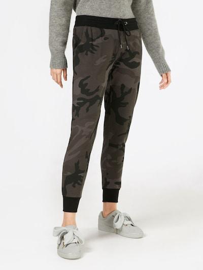 Urban Classics Hose in dunkelgrau / oliv / schwarz, Modelansicht