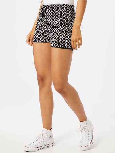 Hailys Shorts 'Sia' in schwarz / weiß, Modelansicht