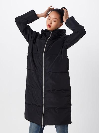 Urban Classics Mantel in schwarz, Modelansicht
