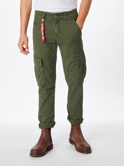 ALPHA INDUSTRIES Cargo hlače 'Agent' u maslinasta, Prikaz modela