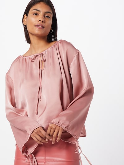 GLAMOROUS Tunika 'Rose Smoke Satin' w kolorze różowy pudrowym, Podgląd na modelu(-ce)