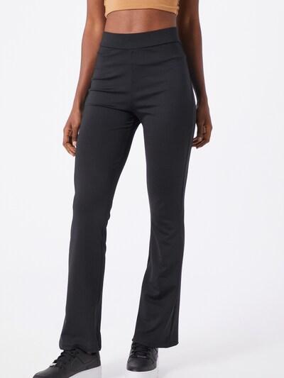 IVYREVEL Pantalon en noir, Vue avec modèle