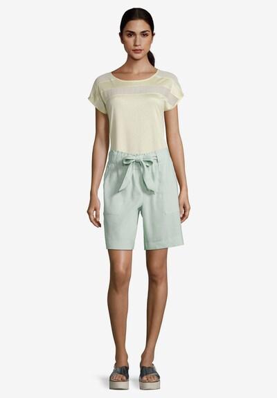 Betty & Co Shorts mit Bindegürtel in mint, Modelansicht