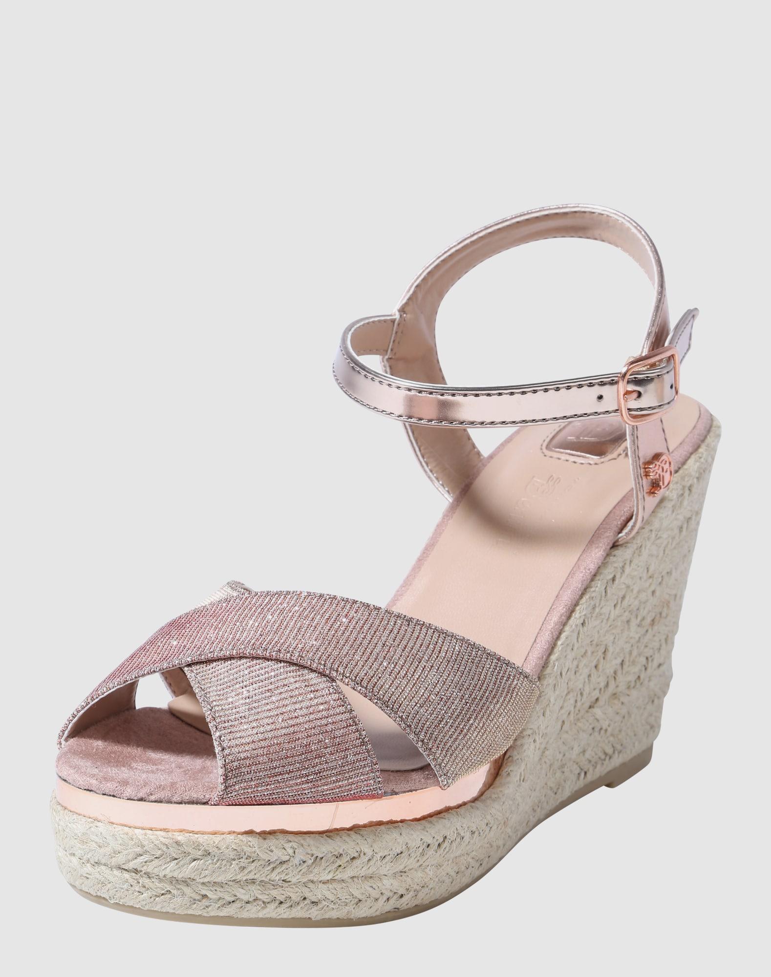 tom tailor sandalen met riem in rose about you. Black Bedroom Furniture Sets. Home Design Ideas
