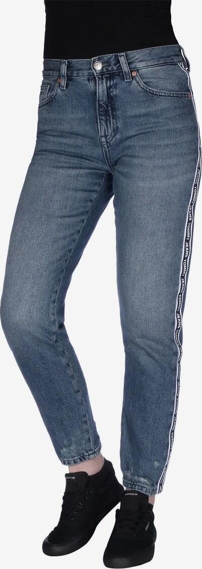Tommy Jeans Jeans ' Izzy Crop W ' in blue denim, Modelansicht