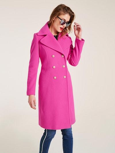 heine Wollmantel in pink, Modelansicht