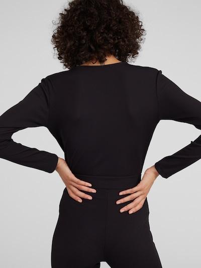 EDITED Majica 'Erin' | črna barva: Pogled od zadnje strani