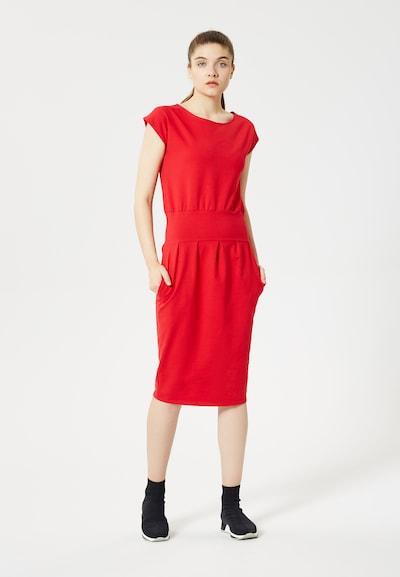 TALENCE Kleid in hellrot, Modelansicht