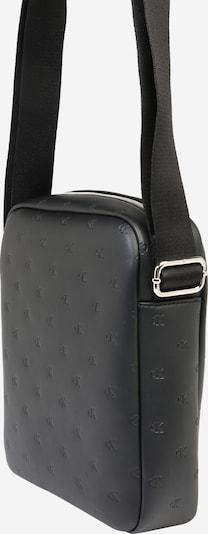 Calvin Klein Jeans Schoudertas 'Monogram Emboss Flatpack' in de kleur Zwart, Productweergave
