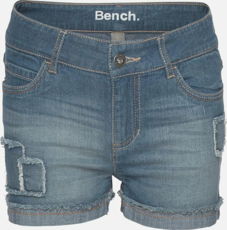 BENCH Jeansshorts in blue denim, Produktansicht