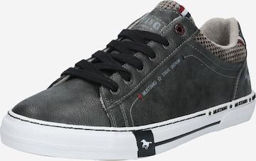 Sneaker bassa di MUSTANG in grigio