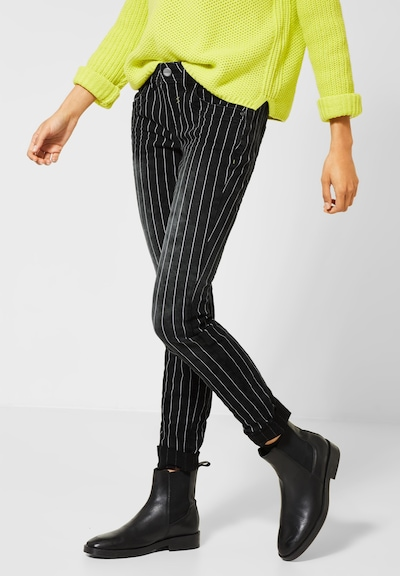 STREET ONE Jeans 'Crissi' in de kleur Black denim / Wit, Modelweergave