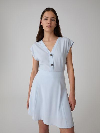 EDITED Bluse  'Aylin' in blau / hellblau, Modelansicht