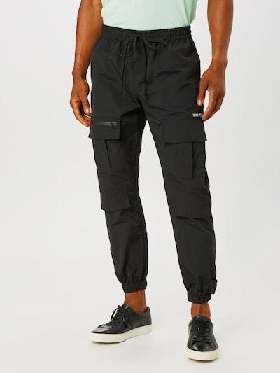 Pantaloni cu buzunare Worst Behavior pe negru, Vizualizare model