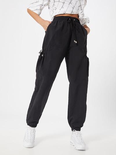 Missguided Pantalon cargo en noir, Vue avec modèle