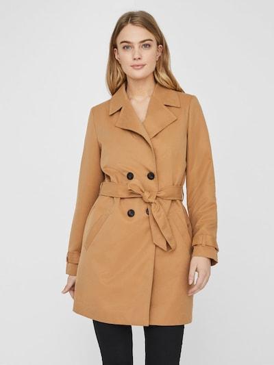 VERO MODA Trenchcoat in beige / hellbraun, Modelansicht
