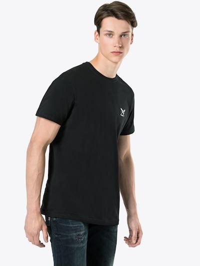 Iriedaily T-Shirt 'Chestflag Tee' in schwarz / weiß: Frontalansicht