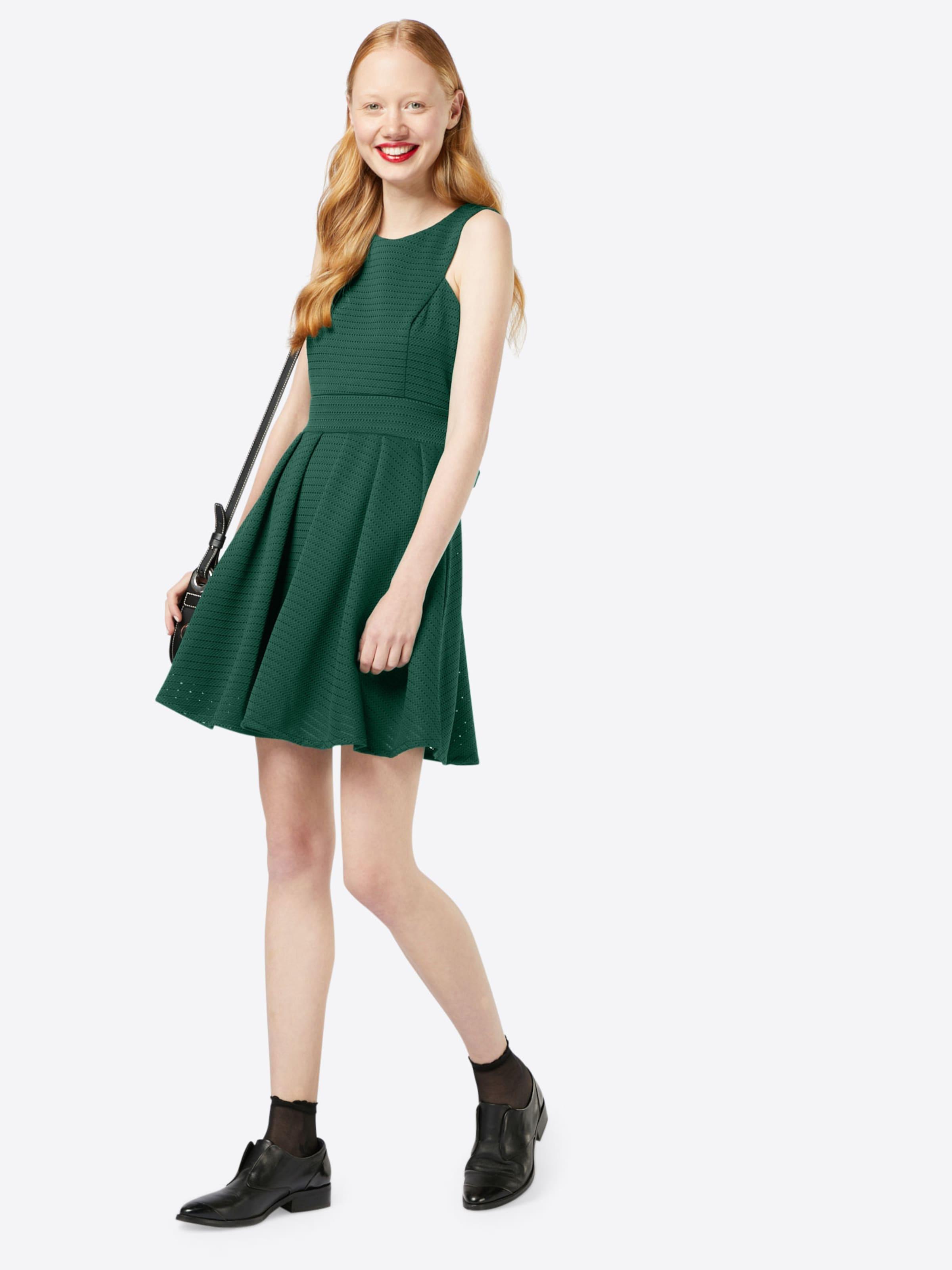 WAL G. Ausgestelltes Kleid mit Lochmuster Freies Verschiffen Veröffentlichungstermine Auslass Schnelle Lieferung Gutes Verkauf Günstig Online Outlet-Store Freies Verschiffen Angebote rf7YxTEfj5