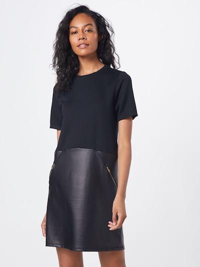 ABOUT YOU Šaty 'Carmina' - černá, Model/ka