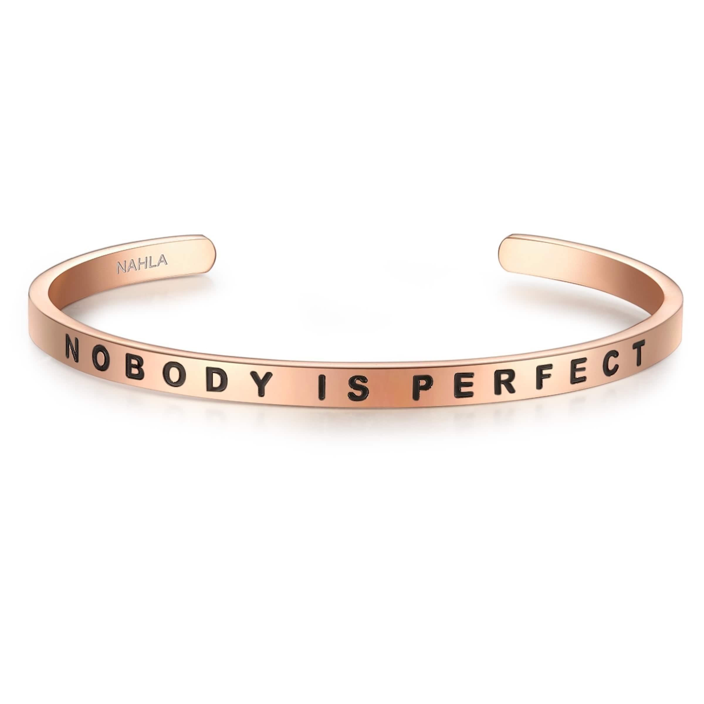 Erstaunlicher Preis Günstig Online Nahla Jewels Armreif mit NOBODY IS PERFECT-Schriftzug Verkauf Komfortabel Verkauf Vorbestellung vNDOg9jSP