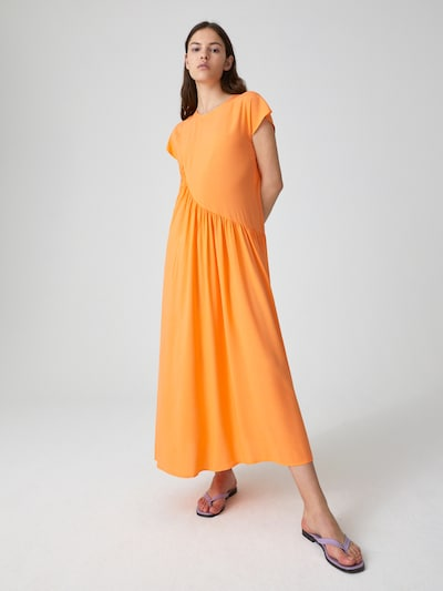 EDITED Kleid 'Uta' in orange, Modelansicht