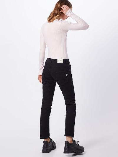 PLEASE Jeans in de kleur Zwart: Achteraanzicht