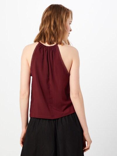 Top 'Rika' ABOUT YOU pe roșu: Privire spate