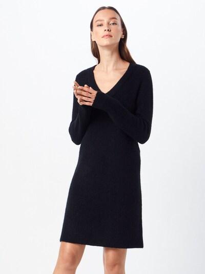 PIECES Robes en maille 'PCELLEN' en noir, Vue avec modèle