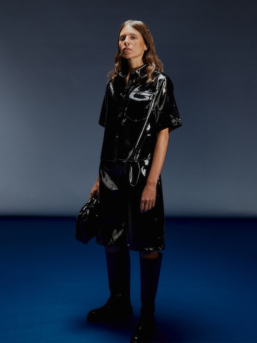 Black Patent Leather Look