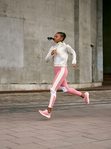 Run Further Look by Asics