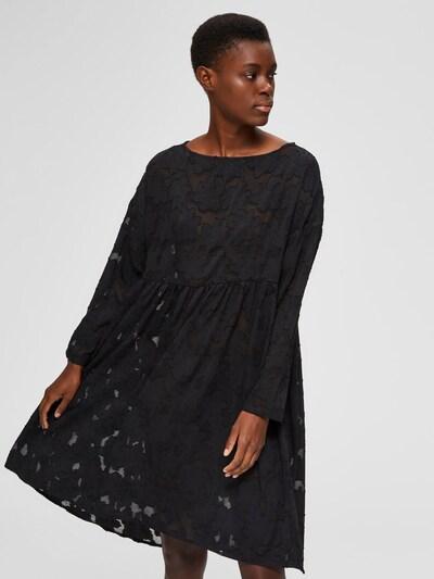 SELECTED FEMME Robe oversize en noir, Vue avec modèle