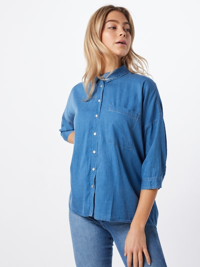 Mavi Bluse in blau, Modelansicht