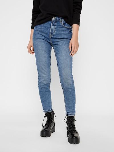 PIECES Mom Jeans in blau, Modelansicht
