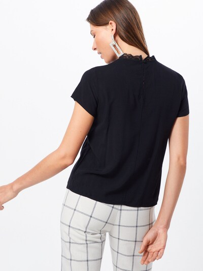 Bluză 'FIRST' ONLY pe negru: Privire spate