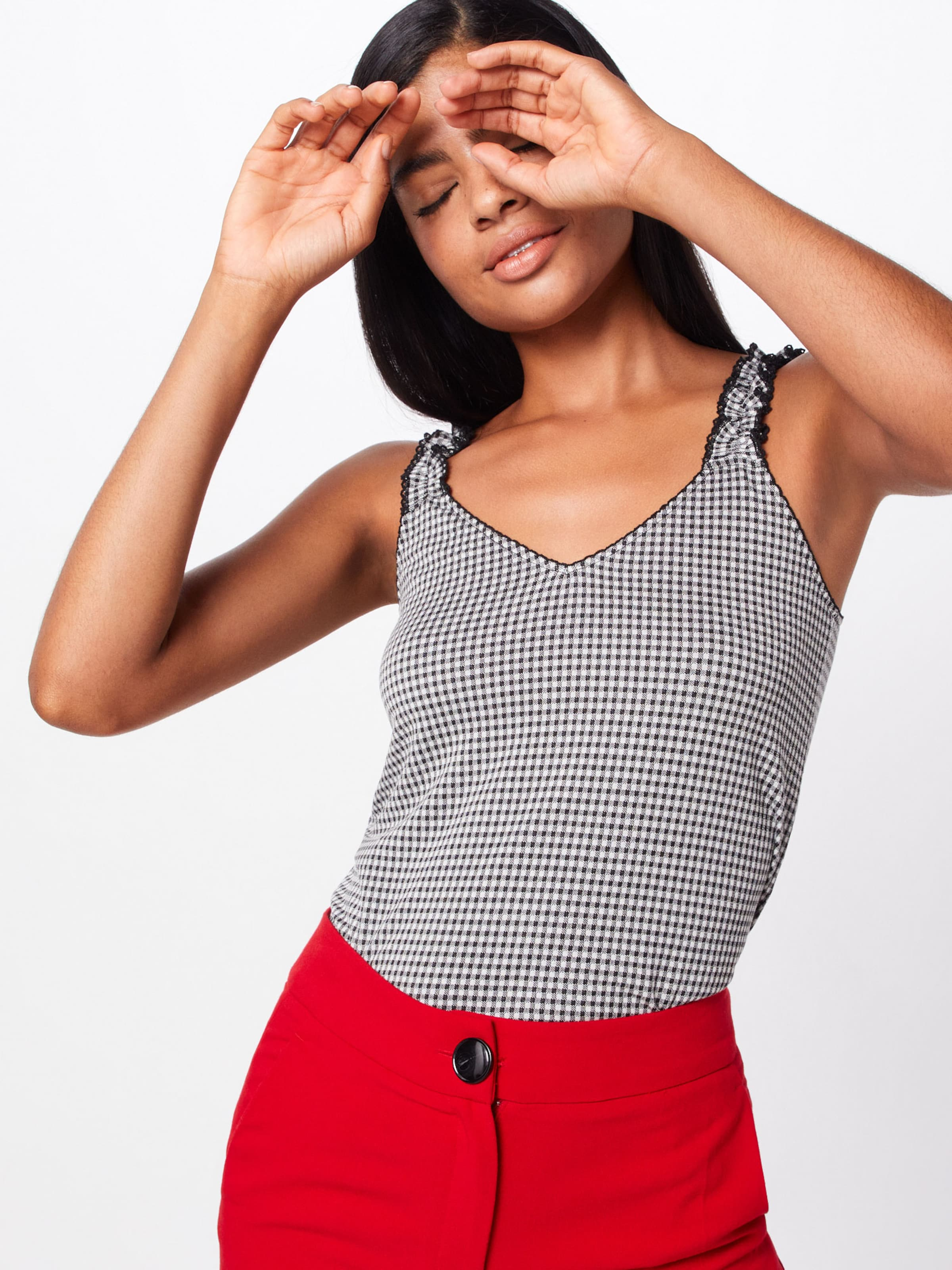 About 'claude' Schwarz Top In You Ybyv6fmI7g