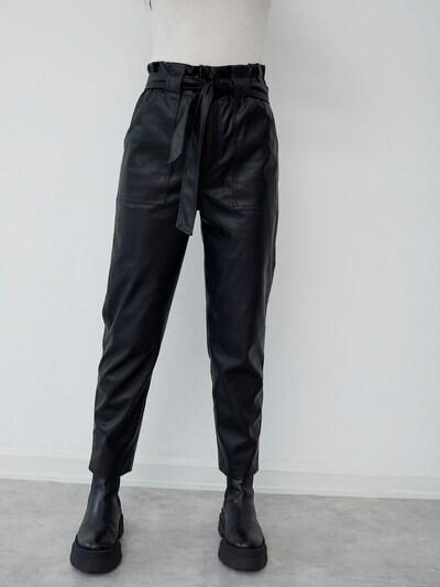 LeGer by Lena Gercke Pantalon 'Helin' en noir, Vue avec modèle