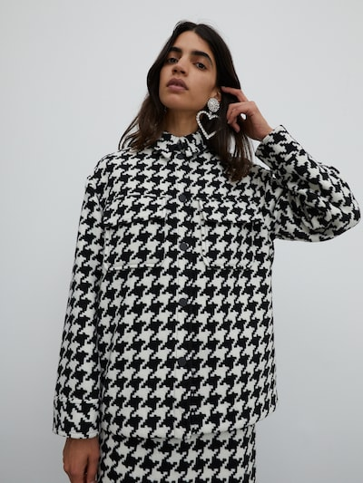 EDITED Jacke 'Sent' in schwarz / weiß, Modelansicht