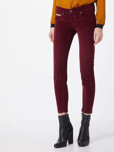 Herrlicher Hose 'Touch Cropped Velvet Stretch' in rot, Modelansicht