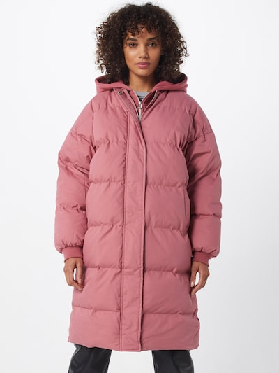 Missguided Steppmantel in rosé, Modelansicht