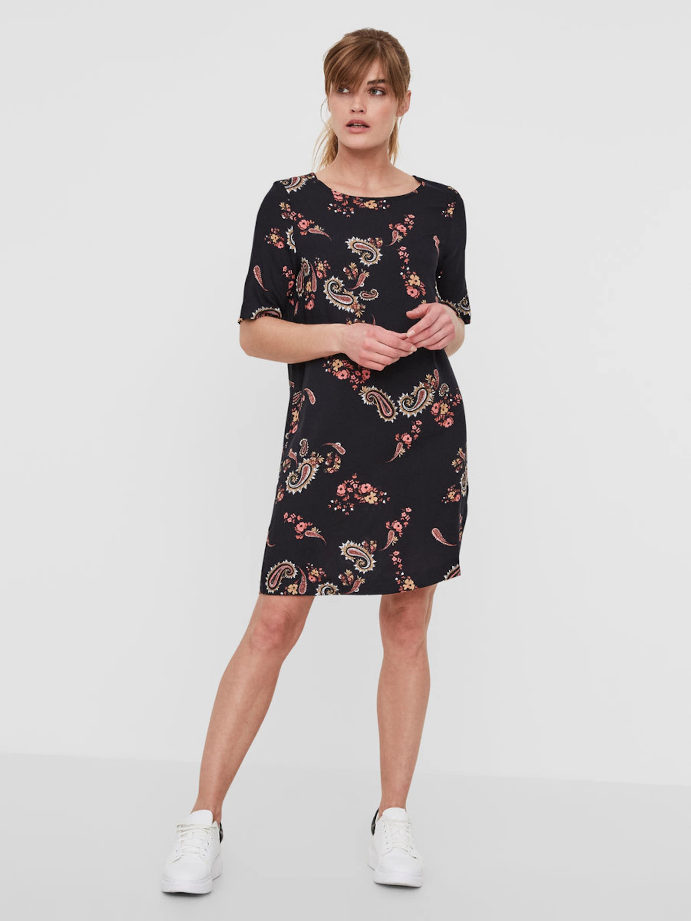Geniue Händler Verkauf Online Billig Verkauf Freies Verschiffen VERO MODA Lässiges Kleid mit kurzen Ärmeln Spielraum Sammlungen oNiuM6fm