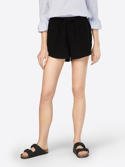 ONLY Shorts in schwarz, Modelansicht