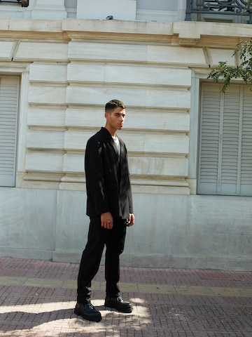 Black Suit Look