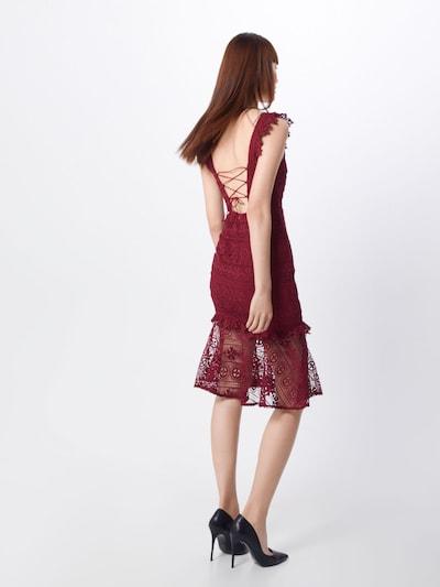 Kokteilinė suknelė 'Cascade' iš Love Triangle , spalva - vyšninė spalva: Vaizdas iš galinės pusės