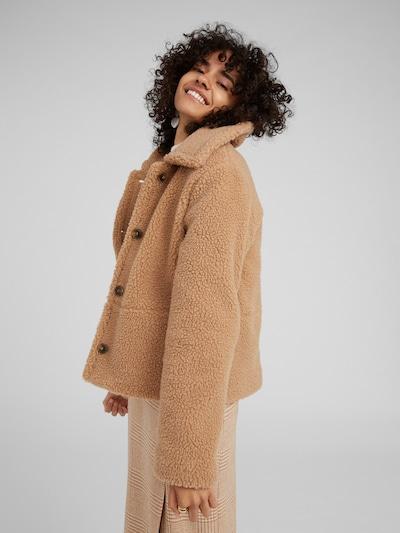 EDITED Prehodna jakna 'Fabio' | kamela barva, Prikaz modela