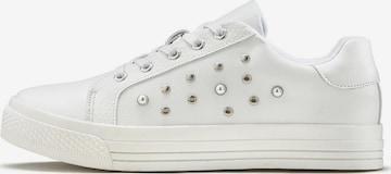 LASCANA Sneaker in Weiß