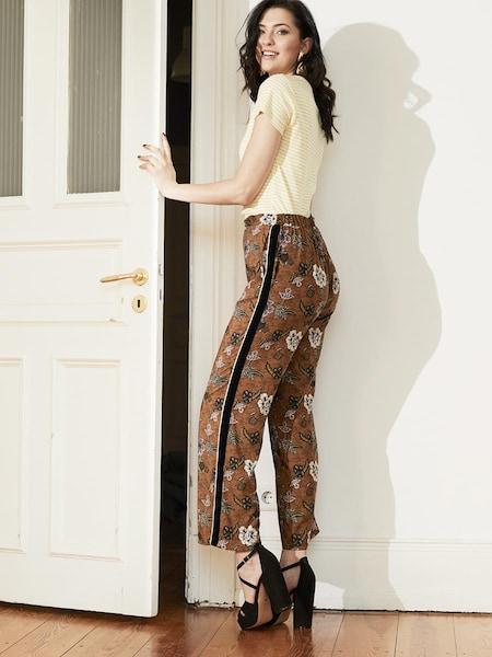 517e97b7ca91e8 Hochwertige Outfits online kaufen