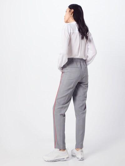Kelnės su kantu 'Mareen' iš BRAX , spalva - pilka / raudona / juoda: Vaizdas iš galinės pusės