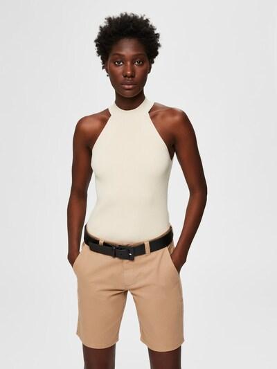 SELECTED FEMME Stehkragen Strickoberteil in weiß, Modelansicht