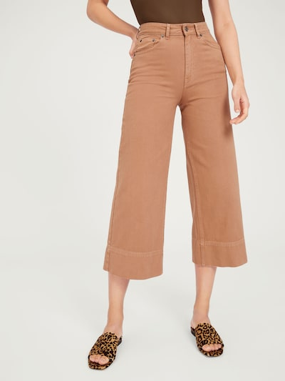 EDITED Jeans 'Maddie' in de kleur Camel / Cappuccino, Modelweergave